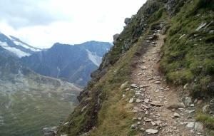 Photo of Valle Aurina, escursionista precipita e muore sotto gli occhi del figlio