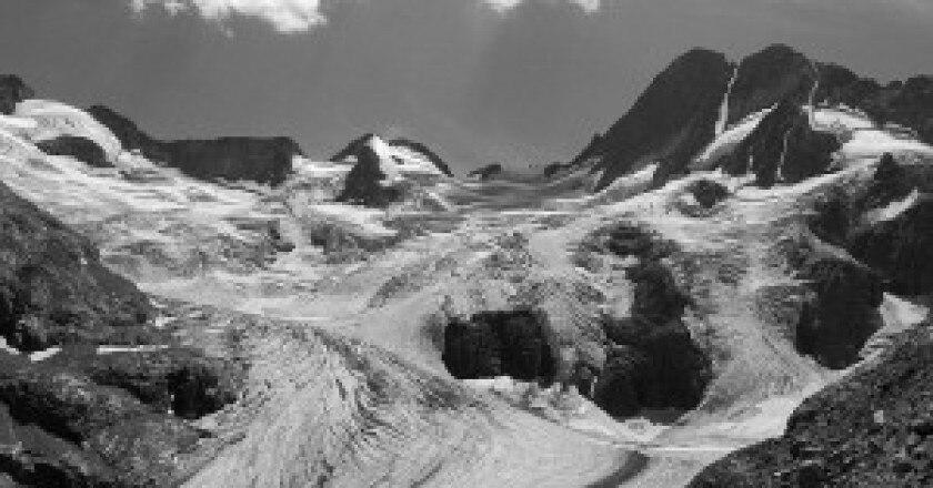 800px-Les_Bans_et_le_glacier_de_la_Pilatte-300x225.jpg
