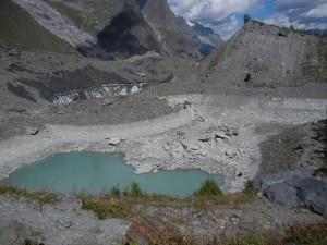 Photo of Il Lago del Miage ridotto a una piccola pozza d'acqua