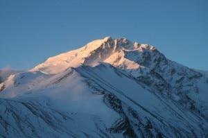 Shisha Pangma (Photo Dirk Groeger wikipedia commons)