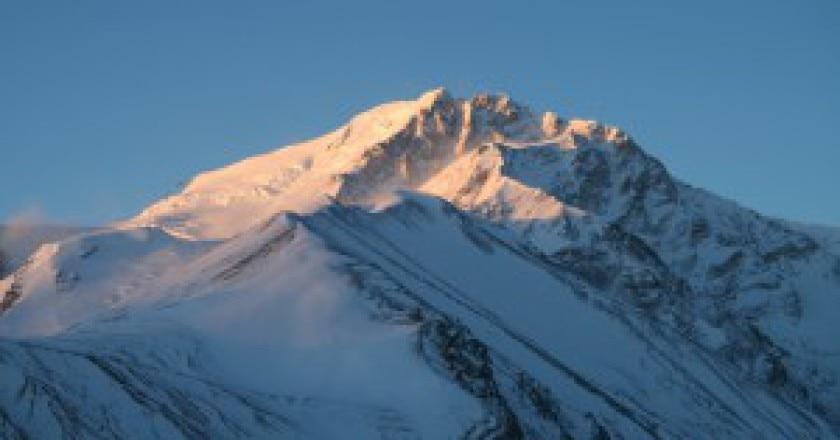 Shisha-Pangma-Photo-courtesy-of-Mauro742-Wikimedia-Commons-300x199.jpg