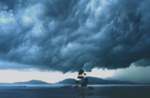 """Photo of """"Leggere"""" le nuvole, incontro con Luca Mercalli al Forte di Exilles"""