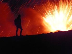 Fuochi-d-artificio-sull-Etna-Giosue-Milioto-6-300x225.jpg