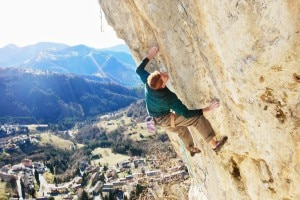 "Photo of Arrampicata, Gabriele Moroni ripete ""Goldrake"" 9a+"