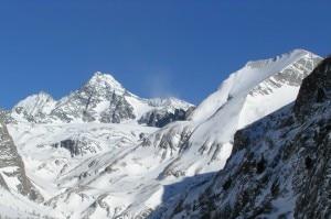 Photo of Cadono per 400 metri dal Großglockner, morti due alpinisti austriaci