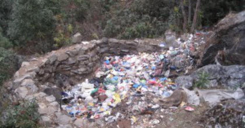 Rifiuti-valle-del-Khumbu-300x225.jpg