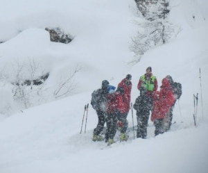 Intervento del Soccorso Alpino durante nevicata (Photo courtesy of Soccorso Alpino XIIa Canavesana - Pagina Facebook)