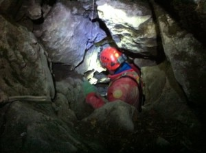 Photo of Bloccato in grotta da malore, oltre 12 ore di intervento per recuperarlo