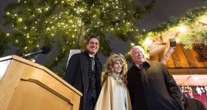 Arno-Kompatscher-e-Michael-Häupl-alla-cerimonia-di-accensione-dellalbero-di-Natale-Photo-www.vienna.at_-300x160.jpg