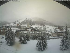 Photo of Alpi, la neve cade abbondante a partire da quota 1600