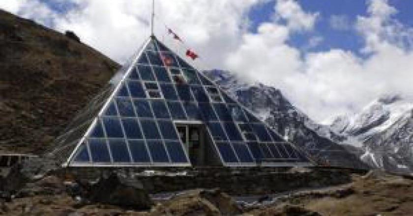 La-Piramide-dellEverest.preview-300x201.jpg