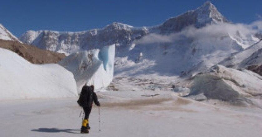 Mick-Fowler-nellavvicinamento-alla-Est-del-San-Lorenzo-Photo-courtesy-of-www.es-on-ice.co_.uk_-300x225.jpg