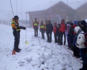 Sicuri-sulla-neve-2012-Rifugio-Sapenza-300x241.jpg