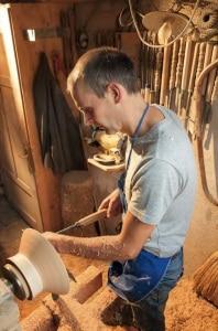Photo of Legno, lana e uova d'oca: Gallo Rosso raccoglie le meraviglie dell'artigianato altoatesino