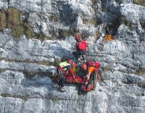Photo of Cade sull'Antimedale, ferito rocciatore