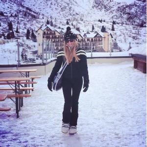 Federica Panicucci passeggia al Passo del Tonale (Photo courtesy of http://instagram.com/federicapanicucci/)