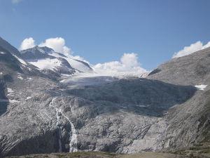 Photo of Ghiacciaio dell'Adamello e clima, se ne parla a Edolo