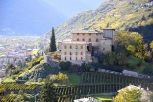 Photo of Sondrio: le Guide alpine lombarde prendono casa al Castel Masegra, il 26 gennaio l'inaugurazione