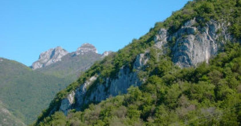 Falesia-di-Galbiate-Photo-courtesy-larioclimb.it_-300x225.jpg