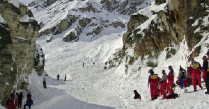 Sei-vittime-sotto-valanga-sulle-Alpi-francesi-photo-archivio-Jean-Pierre-Clatot-Afp-www.bfmtv_-300x169.jpg