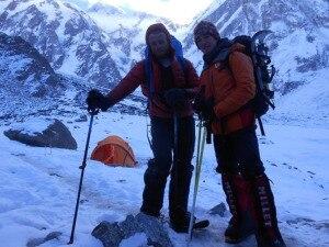 Photo of Ferito dopo un volo di 50 metri in un crepaccio, si ferma a 7800 metri l'invernale al Nanga Parbat di Mackiewicz