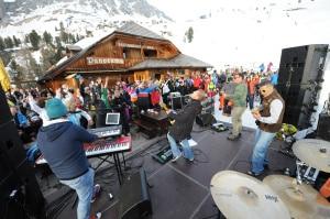 Photo of Feste sulla neve, a marzo in Val Gardena