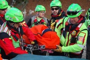 soccorso-alpino-photo-courtesy-palazzotenta39.it_-300x200.jpg