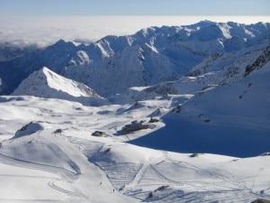 Photo of Alagna, snowboarder precipita e muore sotto il Col D'Olen. Un morto per valanga in Val di Susa