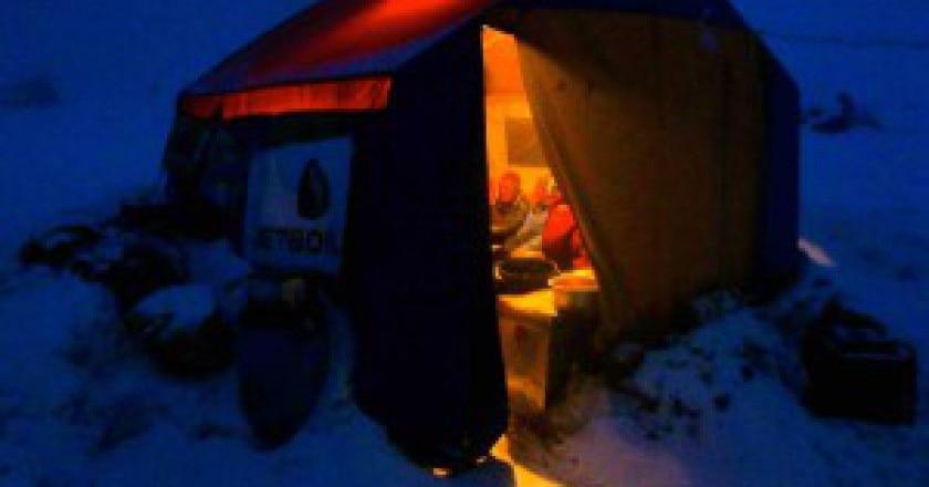 La-tenda-della-spedizione-di-Alex-Txikon-al-campo-base-del-Nanga-Parbat-photo-Alex-Txikon-facebook-300x215.jpg
