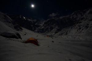 Photo of Nanga Parbat: Nardi, Txikon e Sapdara a 6700 metri