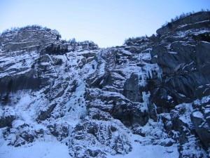 Photo of Val di Mello, salvi i tre ice-climber bloccati sulla cascata Durango