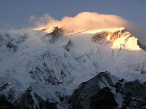 Photo of Vetta all'Annapurna, le prime della nuova stagione sugli 8000