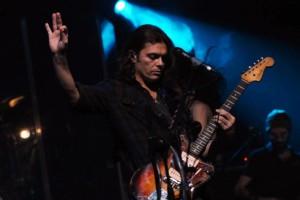Photo of Presena: concerto di Grignani su un palco di ghiaccio