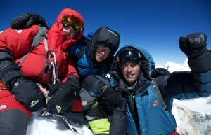 David Goettler, Hans Mitterer e Daniel Bartsch in cima al Makalu nel 2013 (Photo David Goettler)