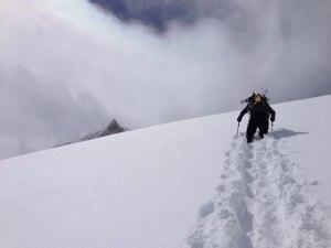 Photo of Troppa neve e pericolo valanghe al Manaslu: Simone Moro e Tamara Lunger tornano a casa