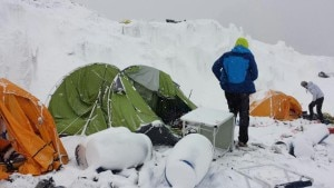 Photo of Un medico al campo base dell'Everest, Annalisa Fioretti: come una guerra