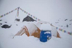 Photo of Maltempo all'Annapurna, saltano i tentativi di vetta