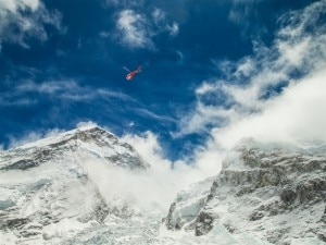 Photo of Soccorsi all'Everest, evacuati quasi del tutto i campi alti