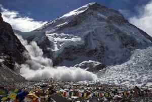 Photo of Fortissimo terremoto in Nepal: devastazione tra Kathmandu e l'Everest, sale il numero delle vittime