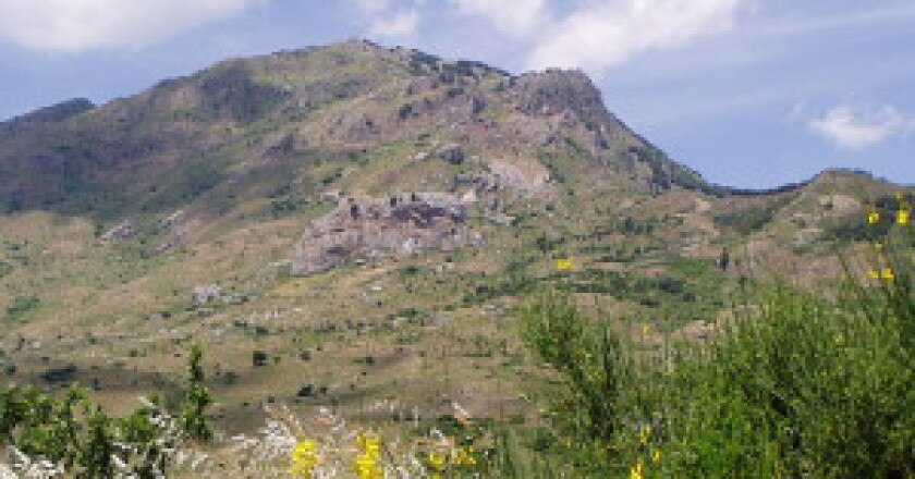 640px-Madonie_montagna-300x225.jpg