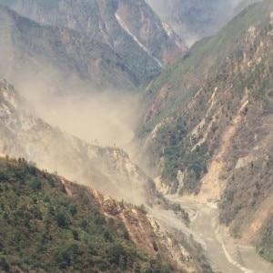 Frane sulle montagne nepalesi (foto Piergiorgio Rosati facebook)