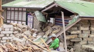 Photo of Nepal: servono aiuti per scuole, ospedali e orfani sherpa