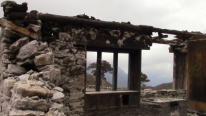 """Photo of """"Selvaggia e antica"""": Maurizio Gallo ricorda Thame distrutta dal terremoto in Nepal"""