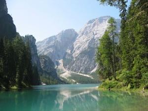 Lago-di-Braies-foto-wikipedia-commons-STirol-300x225.jpg