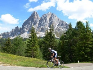 Photo of Bike day: senz'auto sui passi dolomitici il 28 giugno