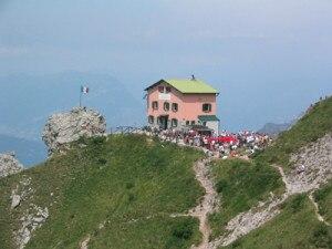 Photo of Grignetta, escursionista muore vicino al Rosalba