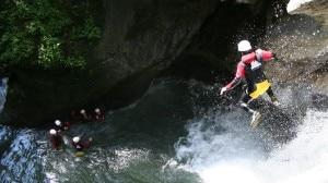 Photo of Le Guide Alpine italiane avvertono: attenzione agli abusivi del canyoning. È in gioco la vostra sicurezza
