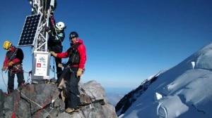 Photo of Monte Bianco: installata la stazione meteo più alta d'Europa: sul web i dati e le immagini in diretta dalla cima
