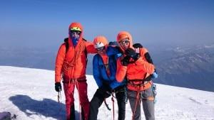 Il team alpinistico della spedizione (da sinistra): Matteo Della Bordella, Matteo De Zaiacomo e Luca Schiera (foto ragnilecco.com)