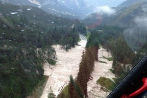 Photo of Bomba d'acqua a Cortina, enorme frana uccide tre persone